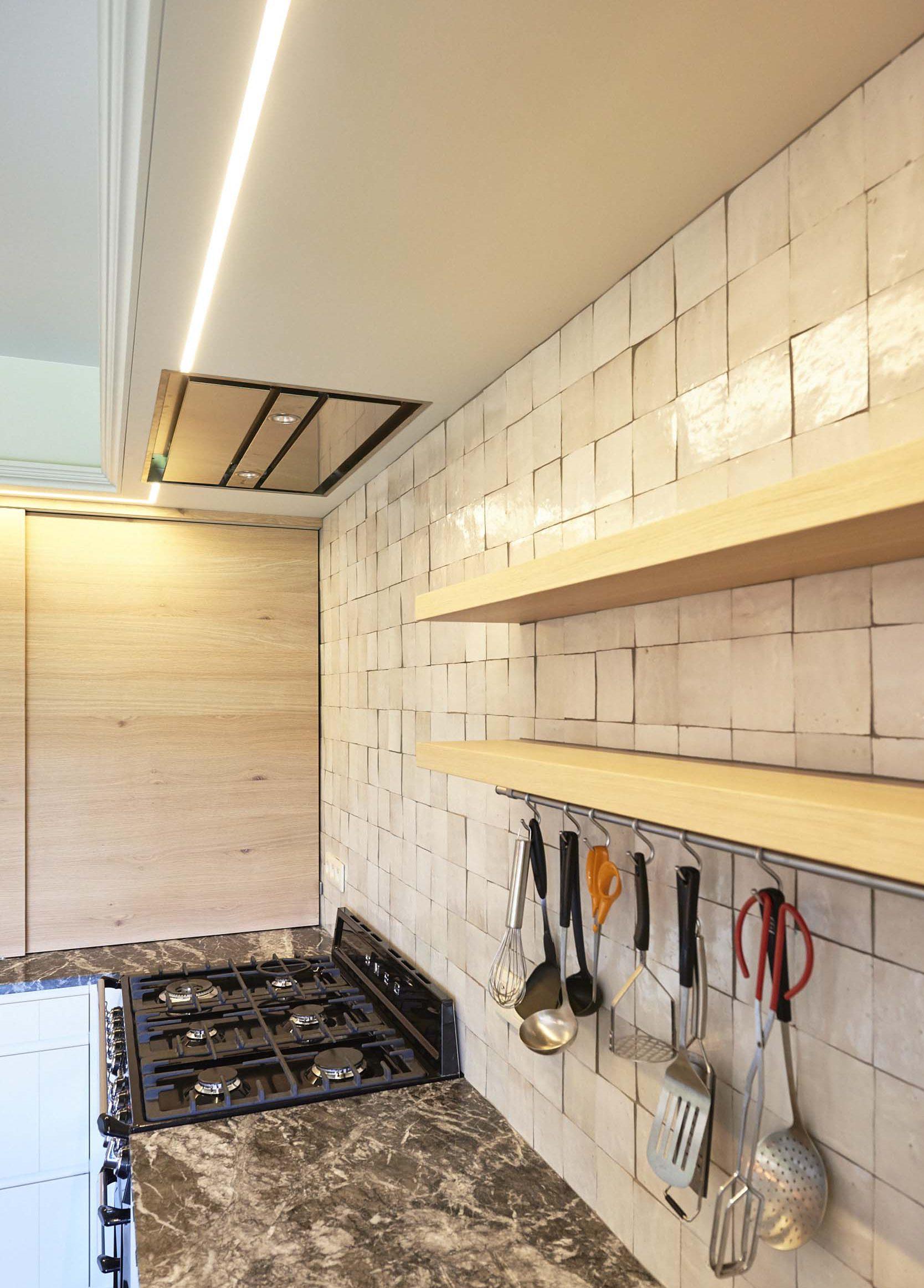 Vanda-projects-interieurinrichting-meubelmakerij-oost-vlaanderen-dumoulin-afzuigkap