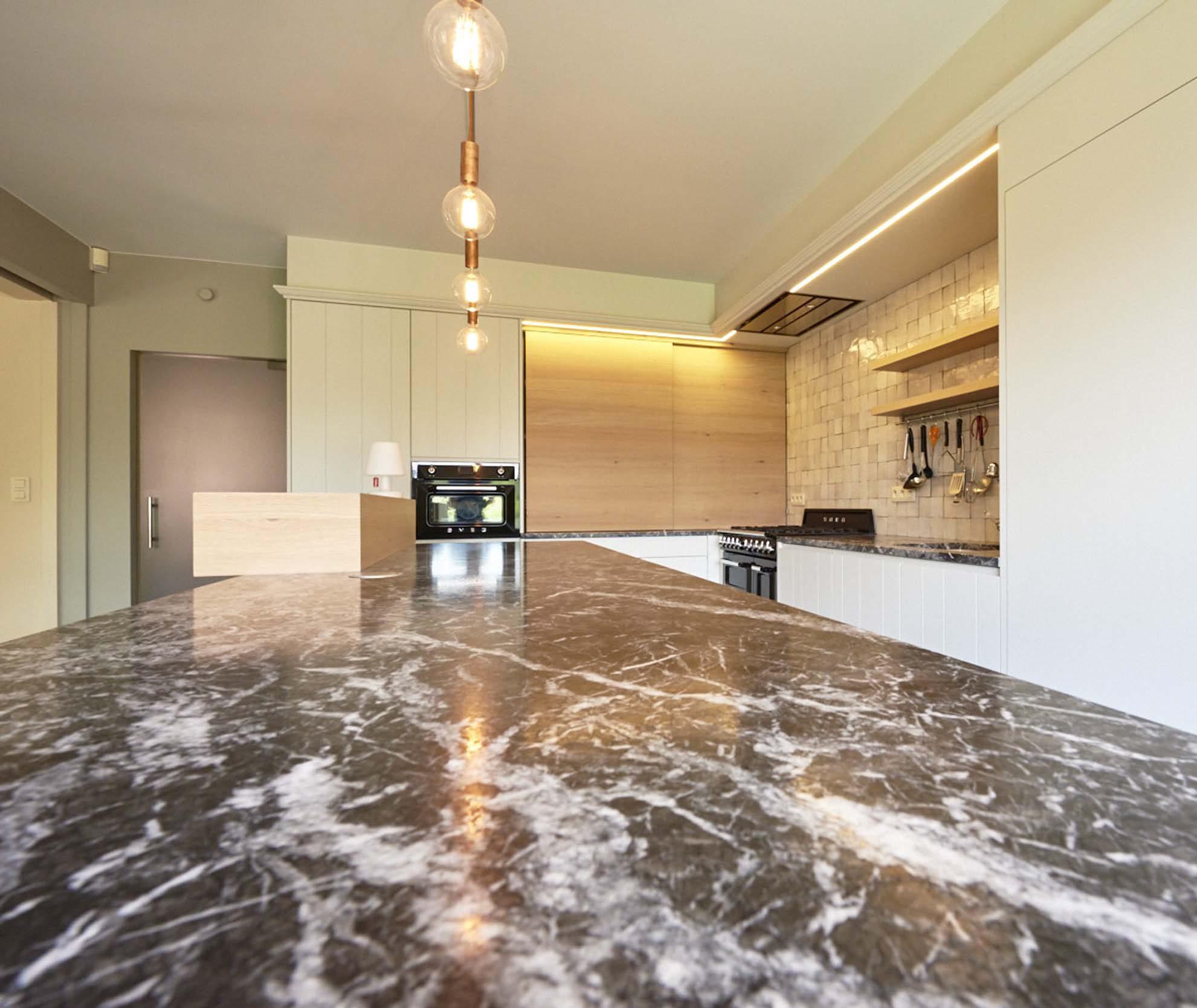 Vanda-projects-interieurinrichting-meubelmakerij-oost-vlaanderen-dumoulin-keuken-marmer