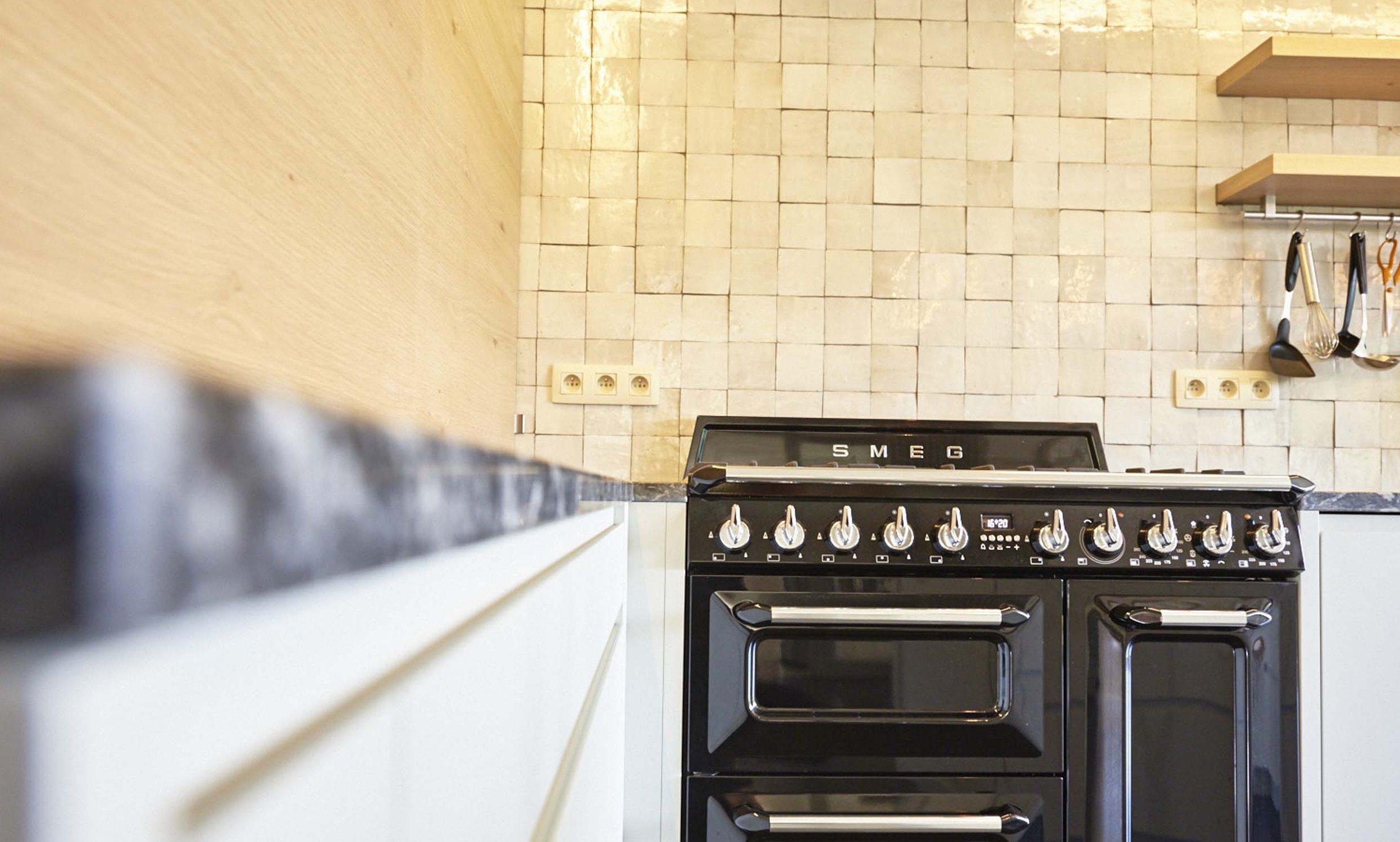 Vanda-projects-interieurinrichting-meubelmakerij-oost-vlaanderen-dumoulin-keuken-op-maat