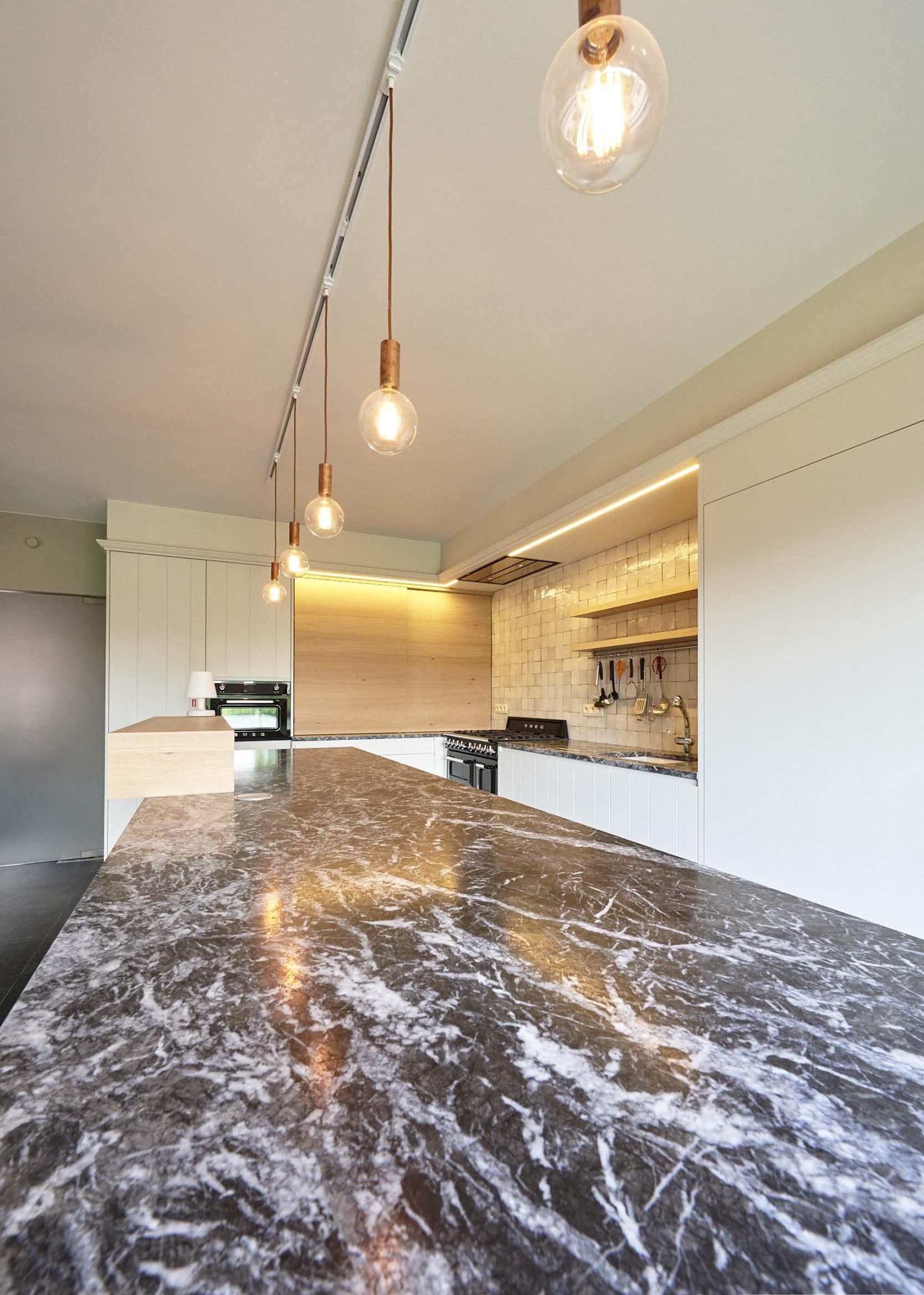 Vanda-projects-interieurinrichting-meubelmakerij-oost-vlaanderen-dumoulin-marmer-keuken