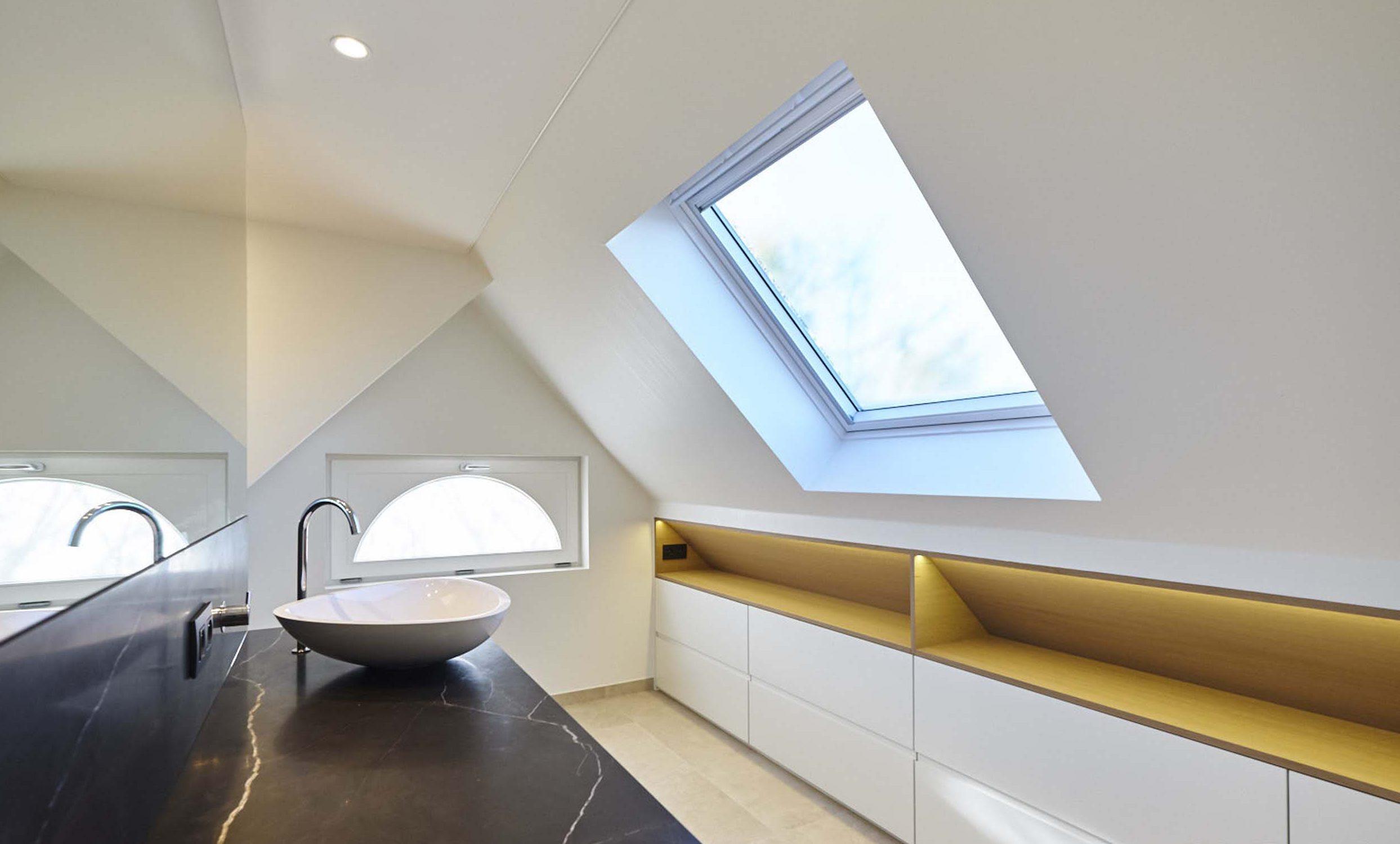 Vanda-projects-interieurinrichting-meubelmakerij-oost-vlaanderen-riem-badkamer-licht