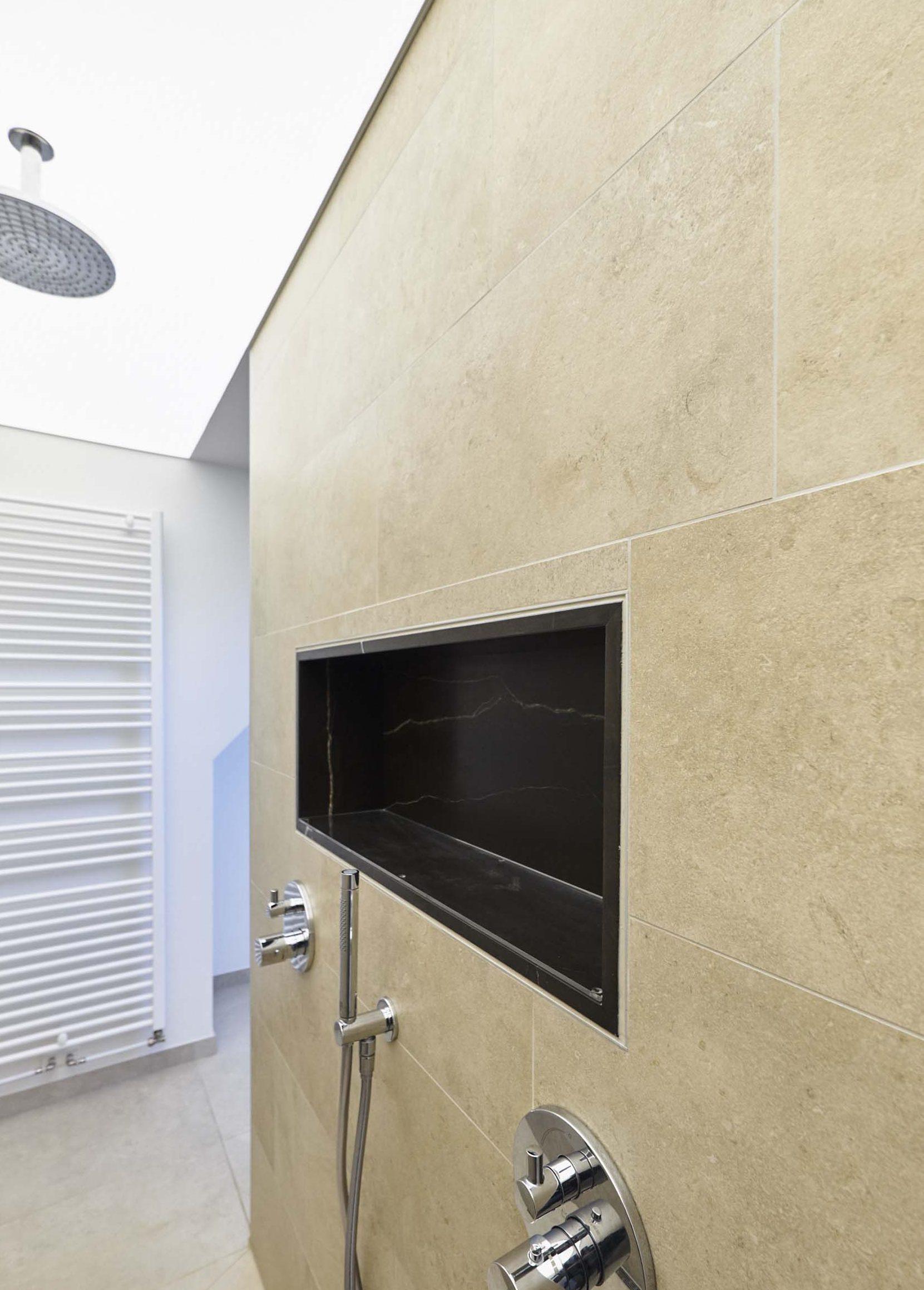 Vanda-projects-interieurinrichting-meubelmakerij-oost-vlaanderen-riem-douche-inrichting
