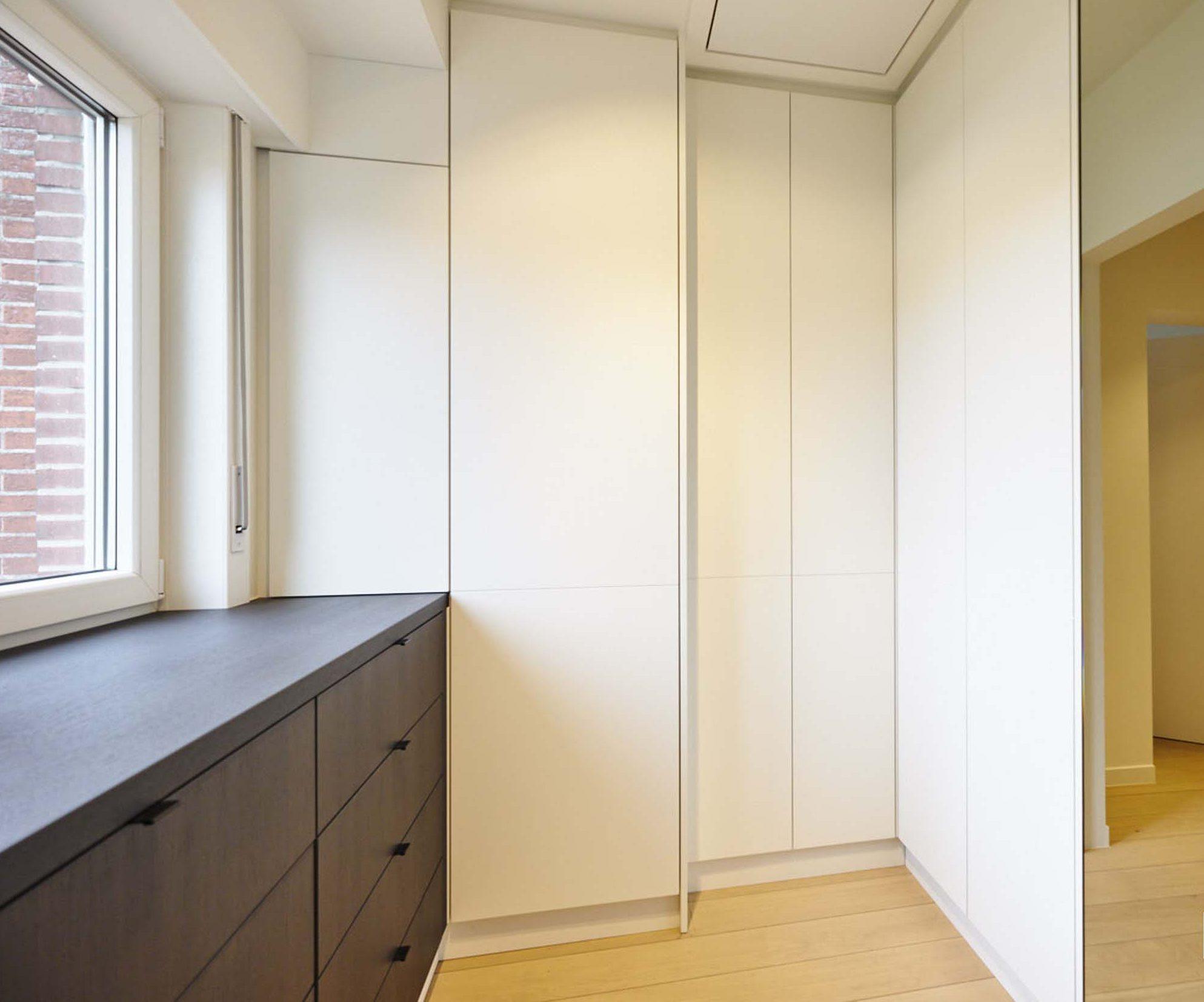 Vanda-projects-interieurinrichting-meubelmakerij-oost-vlaanderen-six-gent-inloopkast