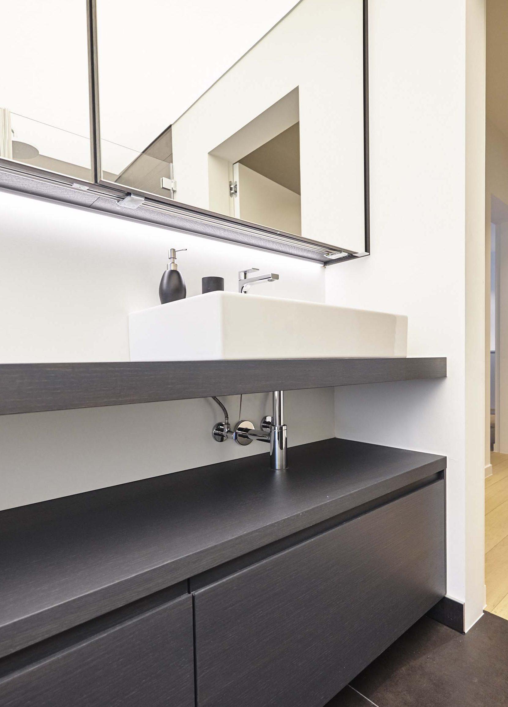 Vanda-projects-interieurinrichting-meubelmakerij-oost-vlaanderen-six-gent-wasbak