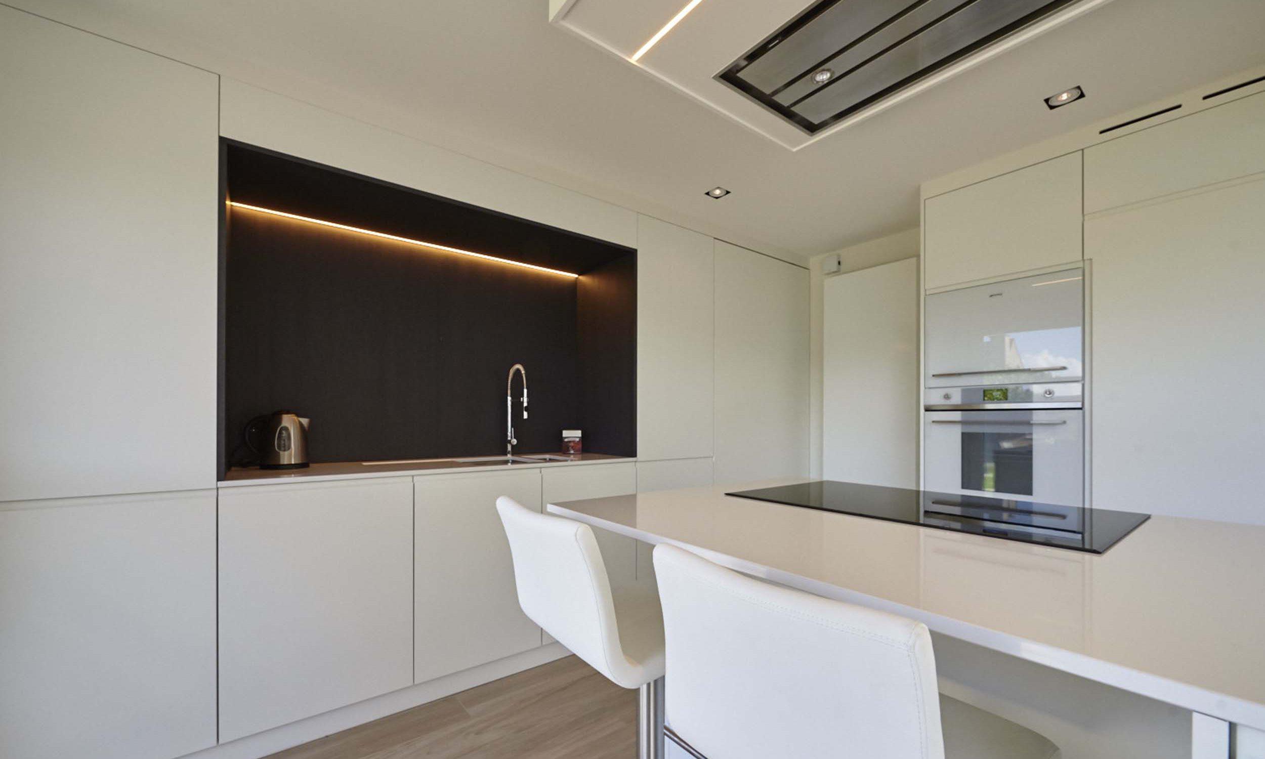 Vanda-projects-interieurinrichting-meubelmakerij-oost-vlaanderen-mortier-keukenlicht