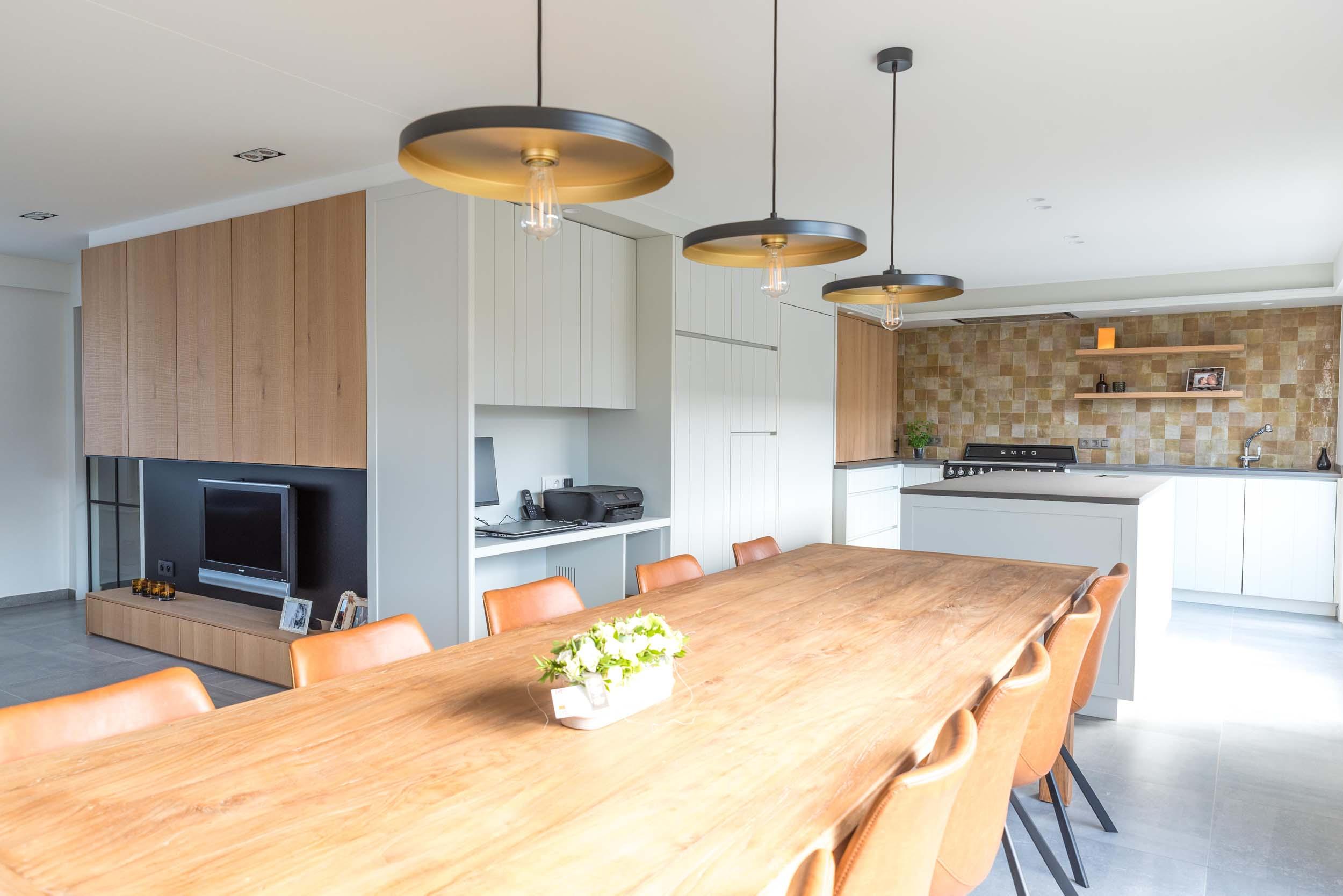 Vanda-projects-interieurinrichting-meubelmakerij-oost-vlaanderen-six-marke-eettafel