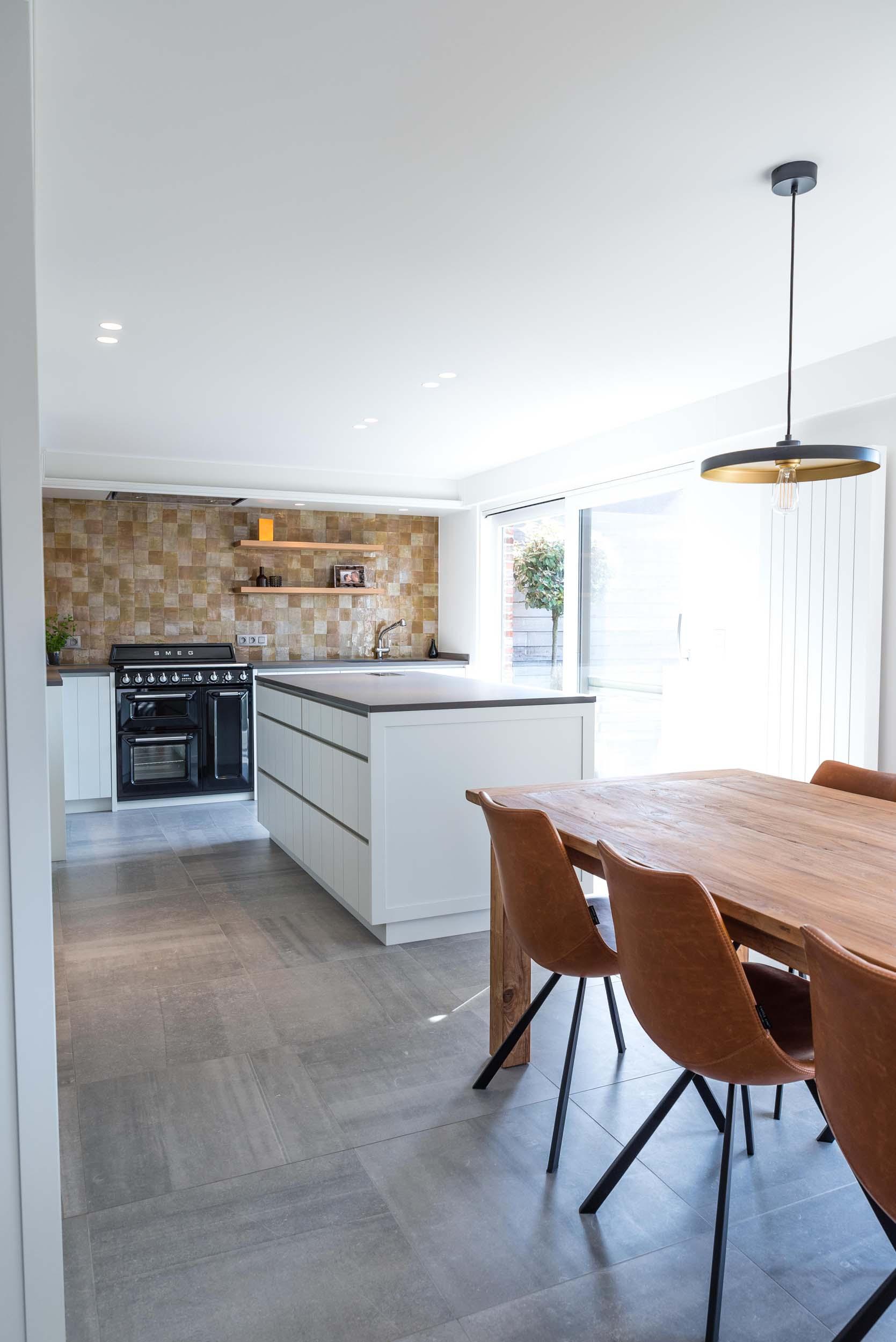 Vanda-projects-interieurinrichting-meubelmakerij-oost-vlaanderen-six-marke-keuken-op-maat