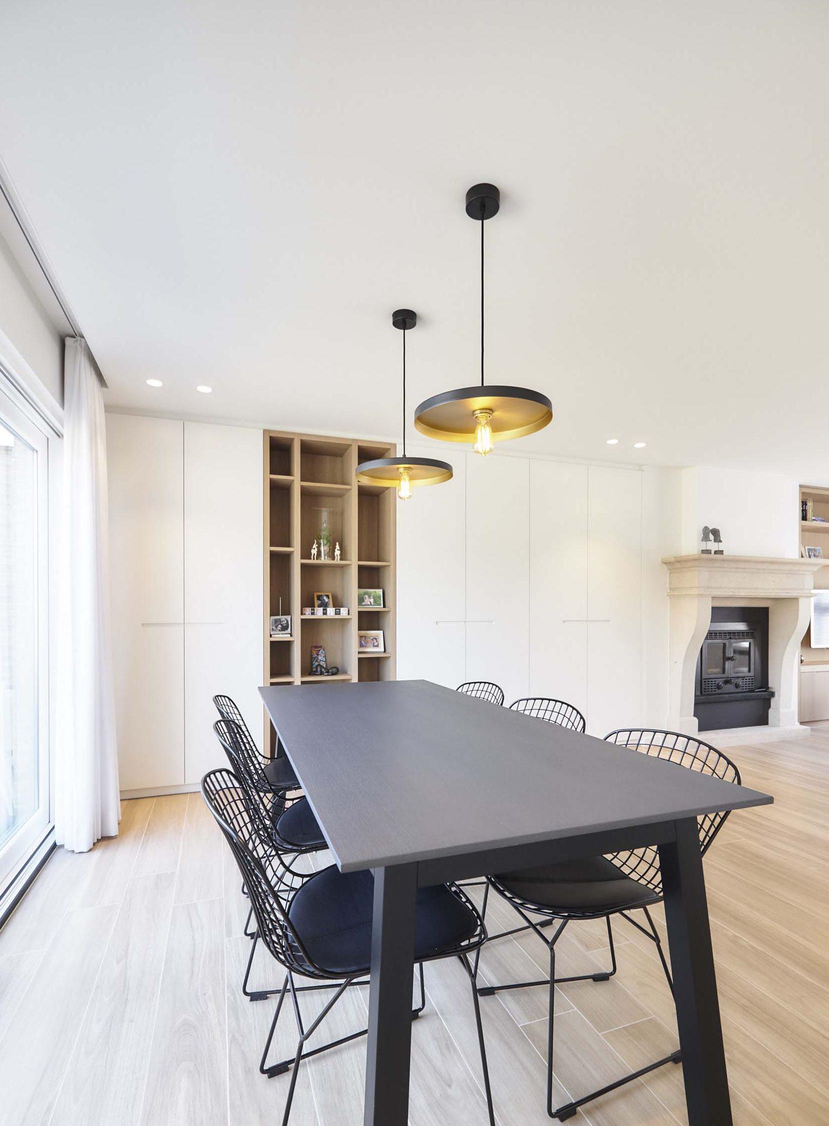 Vanda-projects-interieurinrichting-meubelmakerij-oost-vlaanderen-verfaillie-anne-eetstoelen