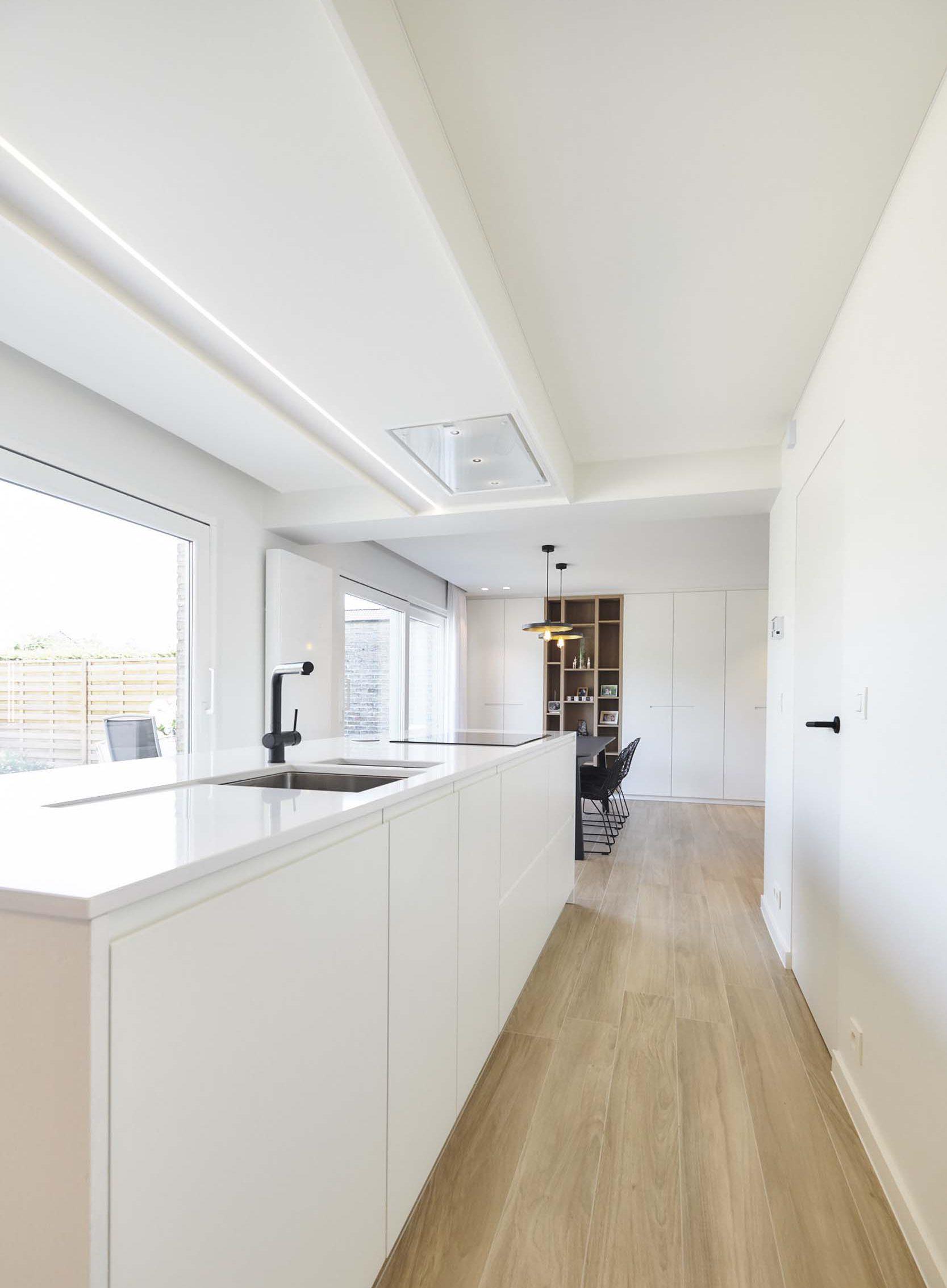 Vanda-projects-interieurinrichting-meubelmakerij-oost-vlaanderen-verfaillie-anne-houtenvloer