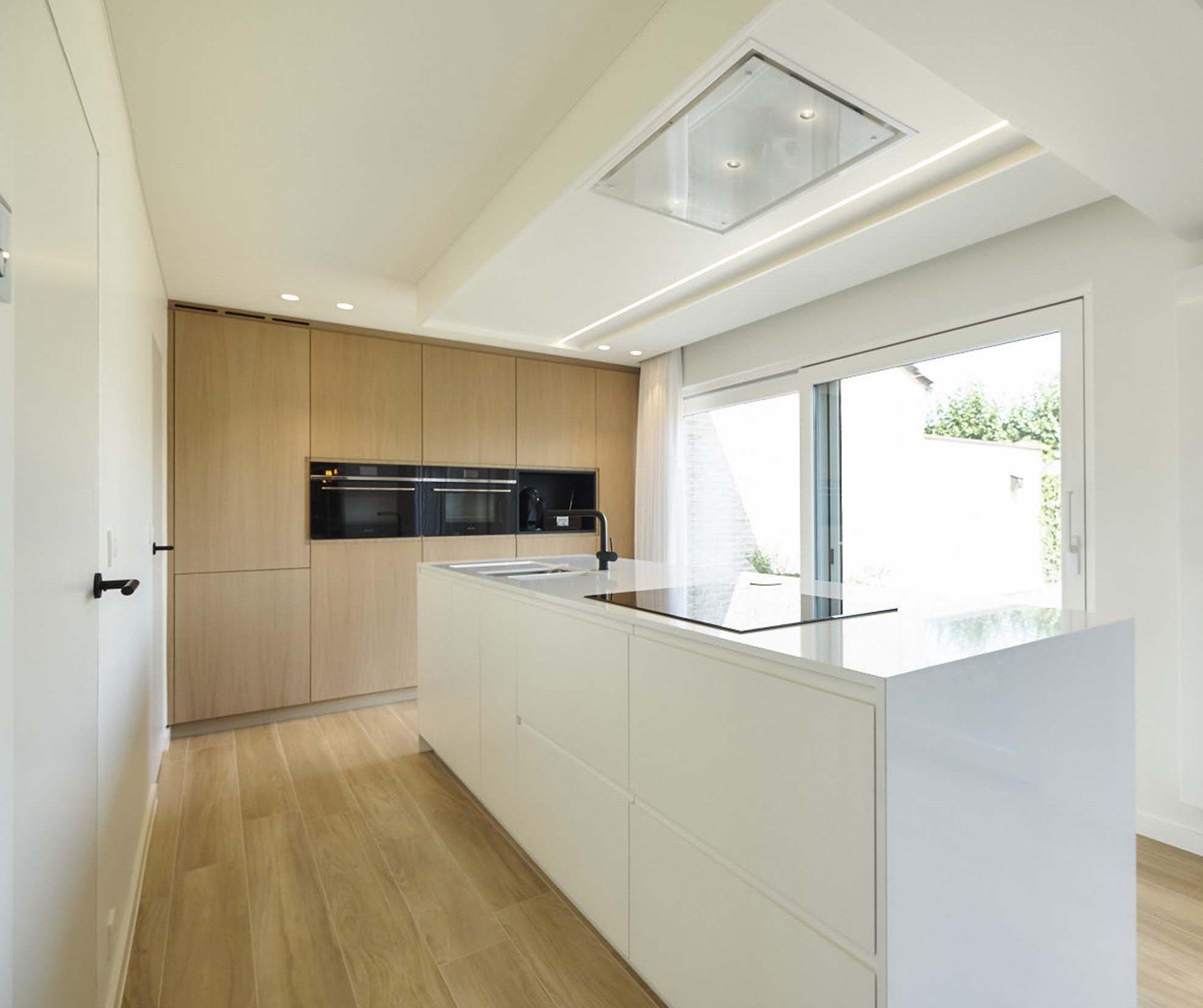 Vanda-projects-interieurinrichting-meubelmakerij-oost-vlaanderen-verfaillie-anne-keuken-inrichting
