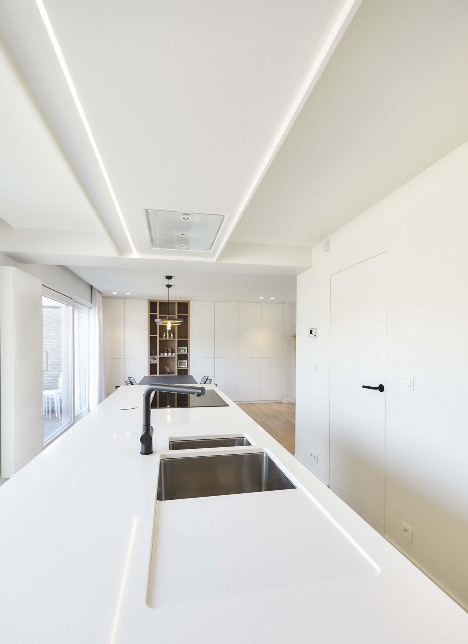 Vanda-projects-interieurinrichting-meubelmakerij-oost-vlaanderen-verfaillie-anne-kraan