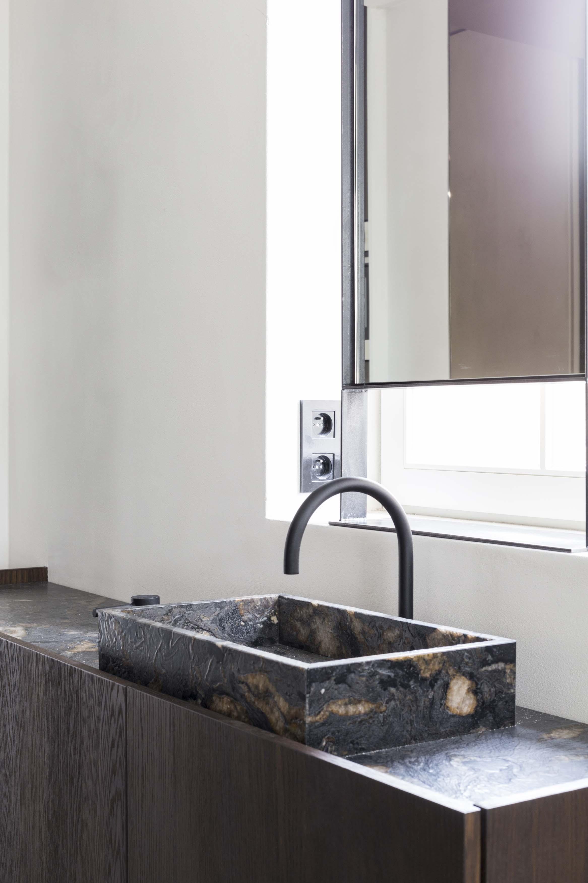 Vanda-projects-interieurinrichting-meubelmakerij-west-vlaanderen-knokke-badkamermeubel